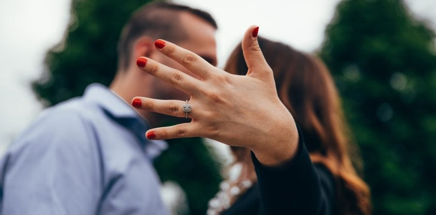 Your unique and creative guide to propose this Valentine's Day